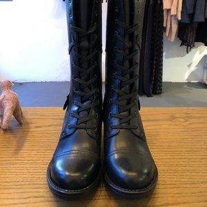 Tall Crave Black Taos Boots!